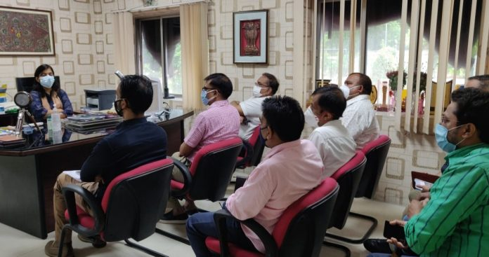Special meeting to free Hajipur city from water logging, DM took stock of the areas